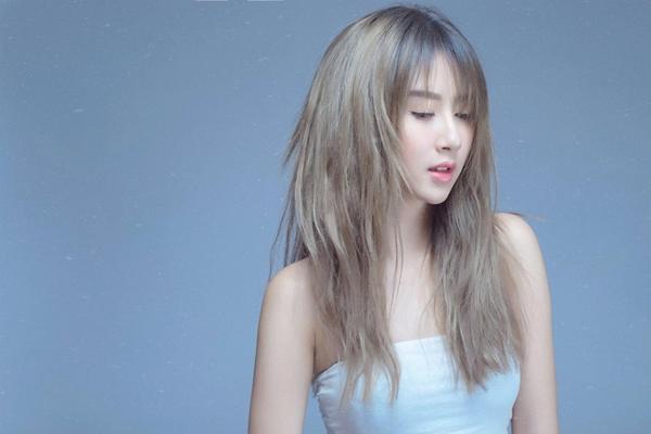 Trong mùa 3, hot girl Hà Thành có cơ hội tiếp tục trổ tài chơi đàn guitar, tuyệt chiêu đã khiến fan 5S Online chết mê.