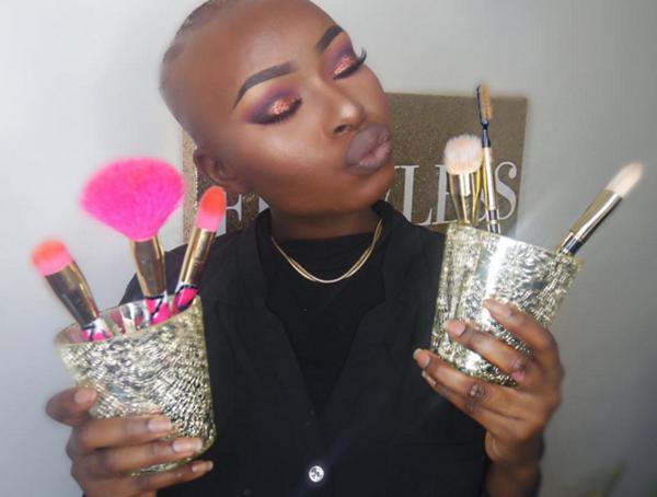 Nhận được nhiều lời động viên khiến Shalom rất vui và quyết định quay clip hướng   dẫn makeup trên kênh YouTube dưới tên Shalom Blac. Cô hy vọng có thể cổ vũ   những người khác tự tin, cởi mở hơn với diện mạo của mình.