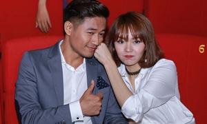 Minh Hằng 'trách yêu' Quý Bình vì dám quên cảnh hôn sâu