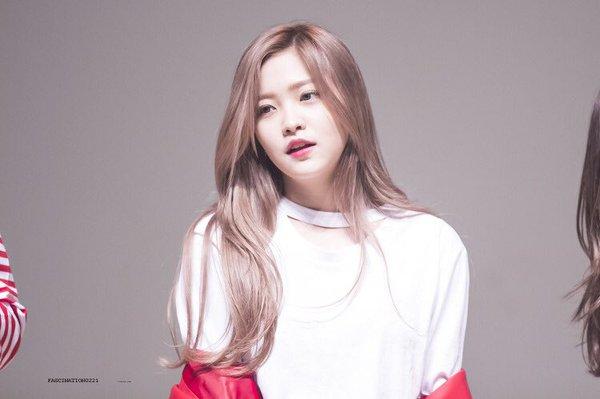 9-idol-nu-sinh-nam-1999-dang-gay-sot-tren-san-khau-kpop-2