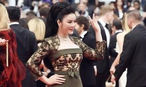Lý Nhã Kỳ kiêu sa với trang sức kim cương trên thảm đỏ Cannes