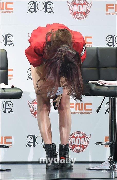 dai-su-du-lich-seol-hyun-bat-khoc-vi-scandal-dot-lich-su-7