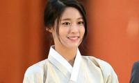 dai-su-du-lich-seol-hyun-bat-khoc-vi-scandal-dot-lich-su-9