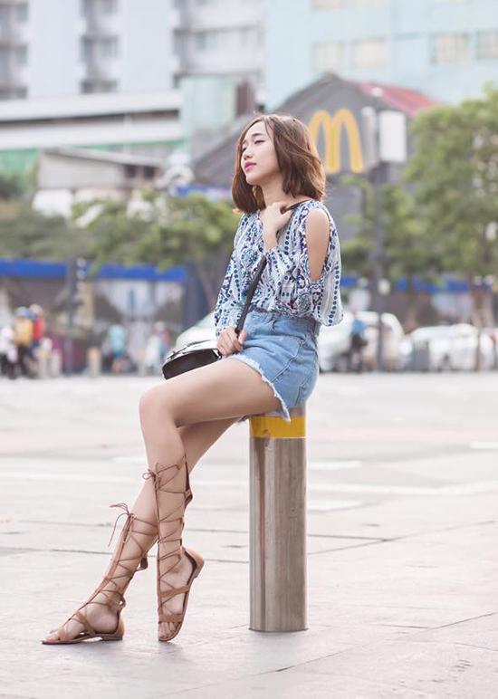 mot-sandals-chien-binh-len-ngoi-street-style-sao-viet-tuan-qua-2