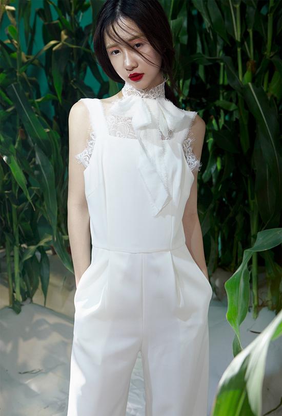 Art Director - Stylist: An Din Din Photo: Luciola Nguyen Make Up: Tung Chau