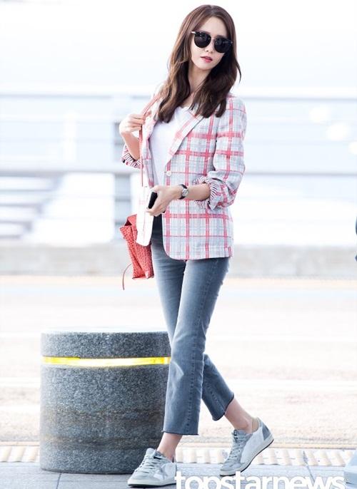 seo-hyun-de-vat-la-trong-giay-goo-hara-mac-style-kho-do-6