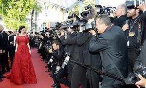 Lý Nhã Kỳ như bà hoàng trước rừng ống kính ở Cannes