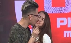 Andree công khai hôn Ngọc Thảo trên sóng truyền hình