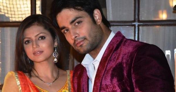 Cặp diễn viên Vivian Dsena và Drashti Dhami đều là những tên tuổi nổi tiếng của Ấn Độ và tham gia nhiều bộ phim đình đám có tiếng.
