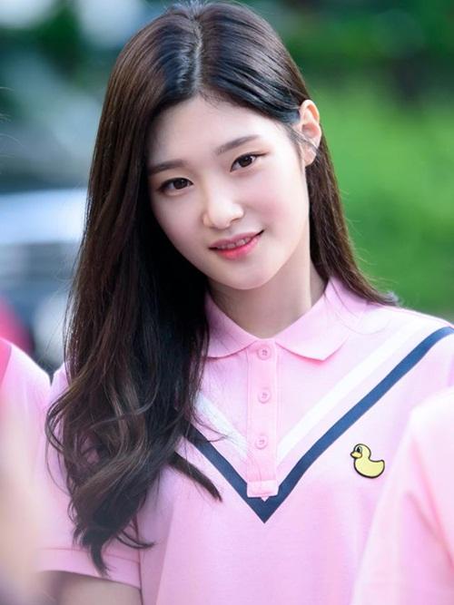 seol-hyun-chae-yeon-gay-tranh-cai-vi-lot-top-nu-than-ngay-tho-7