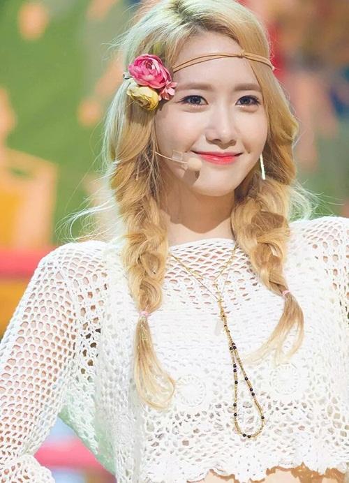 seol-hyun-chae-yeon-gay-tranh-cai-vi-lot-top-nu-than-ngay-tho-4