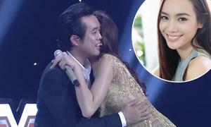 Thí sinh 'đẹp như Hà Hồ' ôm bạn trai Trang Pháp