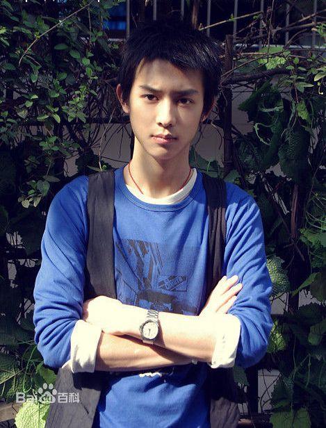 Gương mặt điển trai của Lý Xung Thông từng mê đảo bao cô gái.