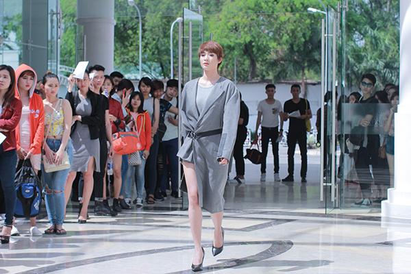 Sáng ngày 31/5 tại Grand Palace, TP HCM đã diễn ra vòng tuyển chọn cuối cùng của chương  trình tìm kiếm và đào tạo người mẫu hàng đầu Việt Nam  Vietnams Next Top Model mùa thứ  7.