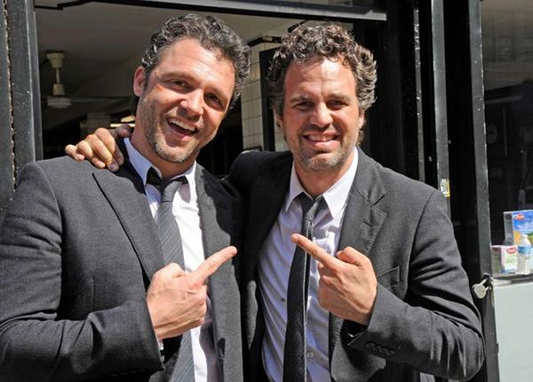 Khi tham gia Now You See Me,Mark Ruffalo and his stunt double Anthony Molinari,
