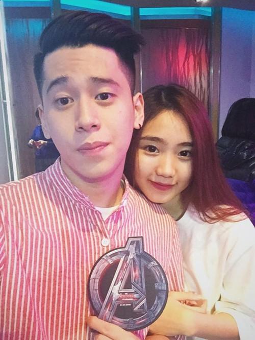 Thời gian gần đây, Thu Trang dường như vắng bóng trong nghệ thuật cũng như trong giới hot teen Việt. Cô nàng đang có tình yêu đẹp với bạn traii D-Crown Nguyễn  một vlogger khá nổi tiếng.