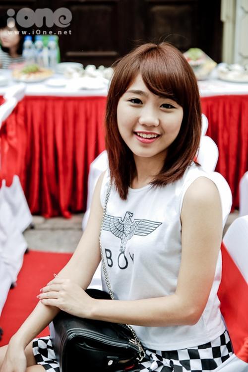 Sau cuộc thi, Thu Trang cũng lấn sân nghệ thuật bằng con đường diễn xuất. Cô nàng sinh năm từng tham gia đóng trong các phim như: Cửa sổ thủy tinh, Những phóng viên vui nhộn, phim ngắn Giai điệu của gió& Ngoài ra, Thu Trang còn đảm nhận vai trò MC của một số chương trình truyền hình.