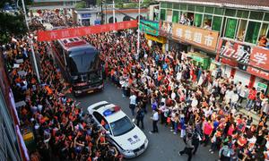 Cảnh tượng hoành tráng khó tin trước kỳ thi đại học ở Trung Quốc