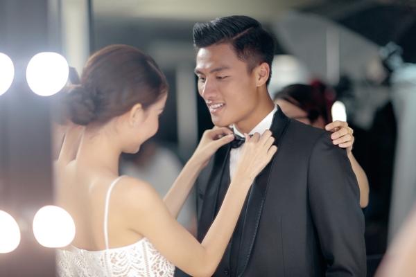 [Caption] Kỳ Hân và Mạc Hồng Quân chưa chính thức lên tiếng về đám cưới nhưng những khâu chuẩn bị như chụp ảnh cưới, gửi thiệp mời và ấn định ngày làm lễ đều được hoàn tất.