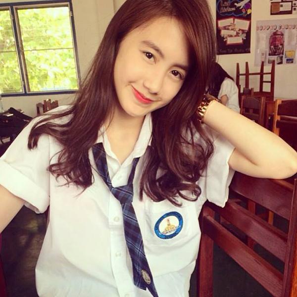 hot-girl-mat-xinh-dang-chun-so-1-cua-lao-hoa-ra-la-nguoi-goc-viet-11