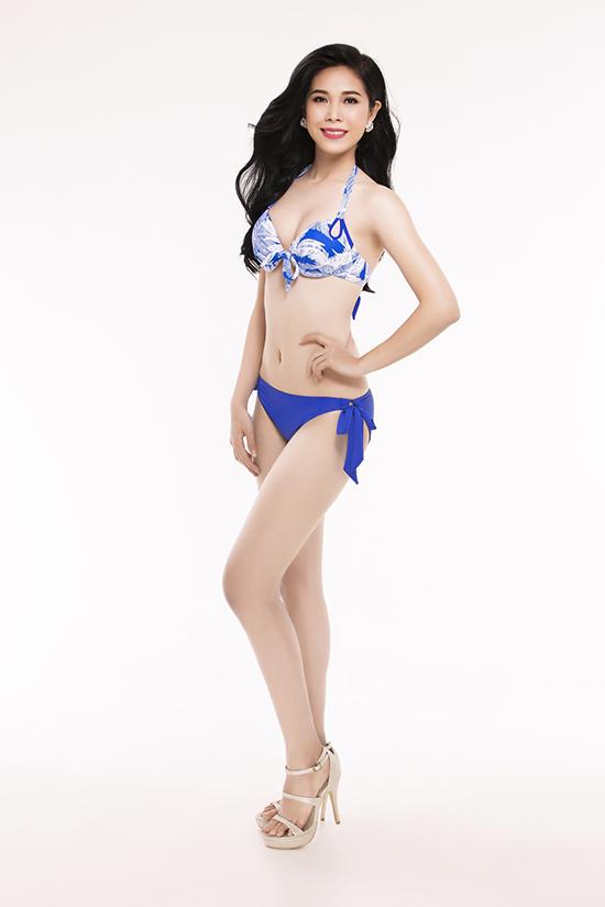 top-30-hoa-hau-viet-nam-phia-nam-khoe-eo-thon-chan-dai-voi-bikini-2