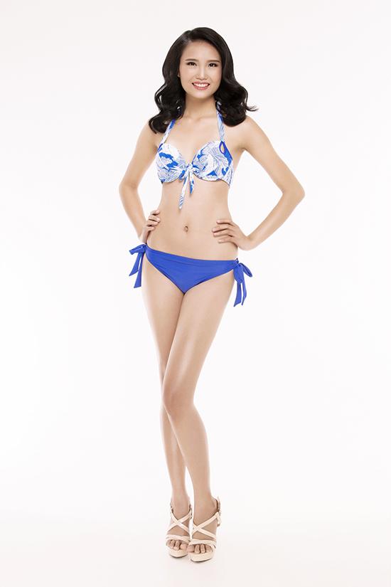 top-30-hoa-hau-viet-nam-phia-nam-khoe-eo-thon-chan-dai-voi-bikini-5