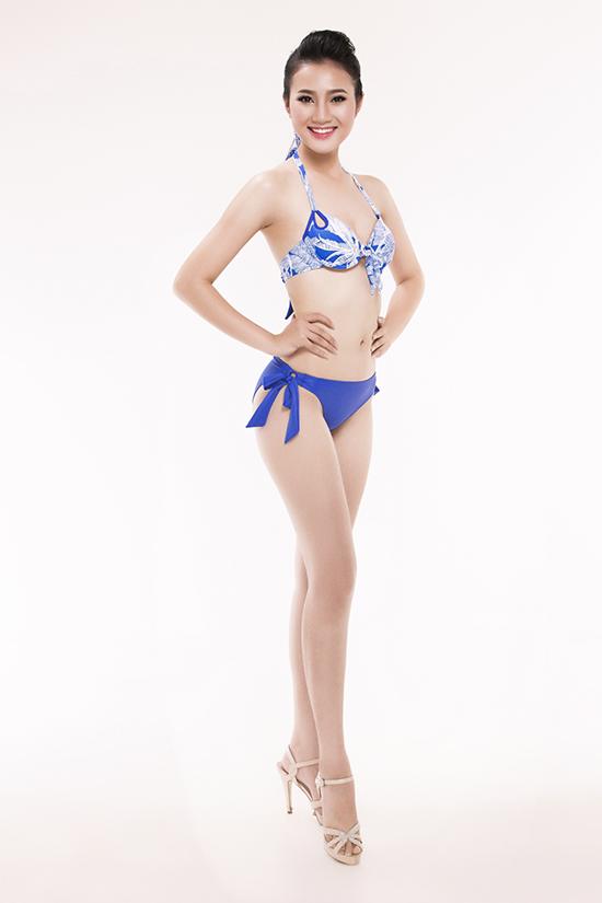 top-30-hoa-hau-viet-nam-phia-nam-khoe-eo-thon-chan-dai-voi-bikini-9