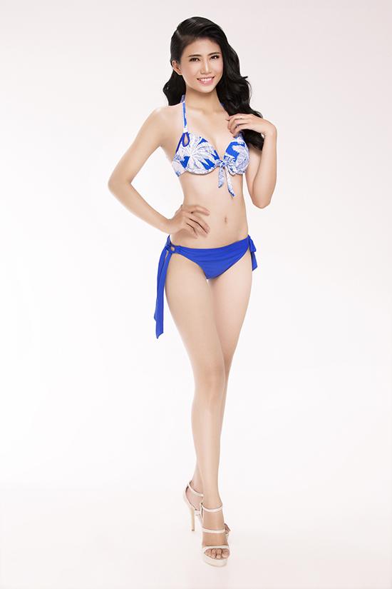 top-30-hoa-hau-viet-nam-phia-nam-khoe-eo-thon-chan-dai-voi-bikini-11