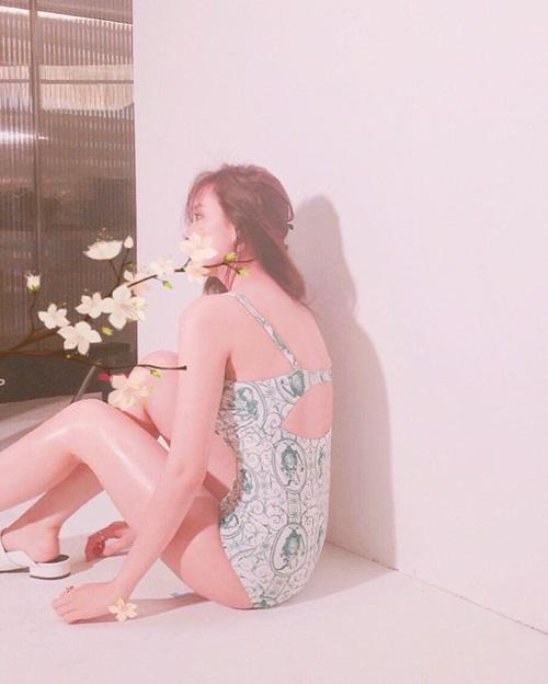 sao-han-8-6-hwang-jung-eum-lo-vong-3-phang-hyo-min-dot-mat-voi-bikini-4