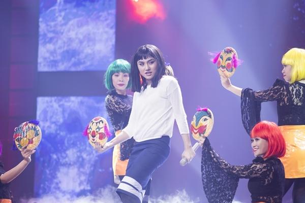 ban-sao-noo-quyen-ru-khien-hari-won-muon-lot-ao-4