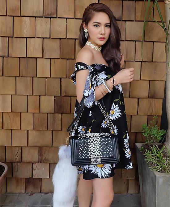 hot-girl-trieu-phu-thai-lan-noi-tieng-an-choi-sanh-dieu-11