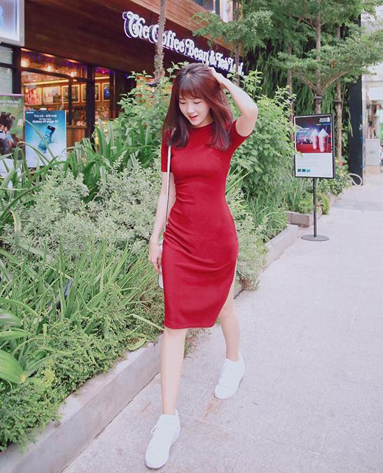 sao-style-14-6-minh-hang-dien-chan-ao-kieu-trinh-khoe-dang-chai-coca-2