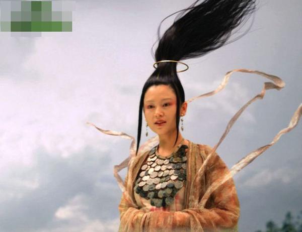 nhung-kieu-toc-co-trang-ky-quac-nhu-nguoi-ngoai-hanh-tinh-1