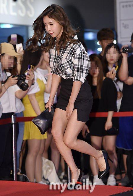 kpop-style-14-6-ji-yeon-mac-do-boi-kin-mit-hyun-young-kho-vi-vay-ngan-5