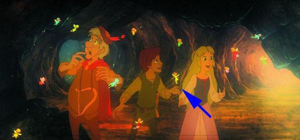 Trong The Black Cauldron, khi nhóm Taran khám phá ra vương quốc dưới lòng đất. Họ gặp những nàng tiên tí hon phát sáng lấp lánh, trong đó có cô bé Tinkerbell nổi tiếng.