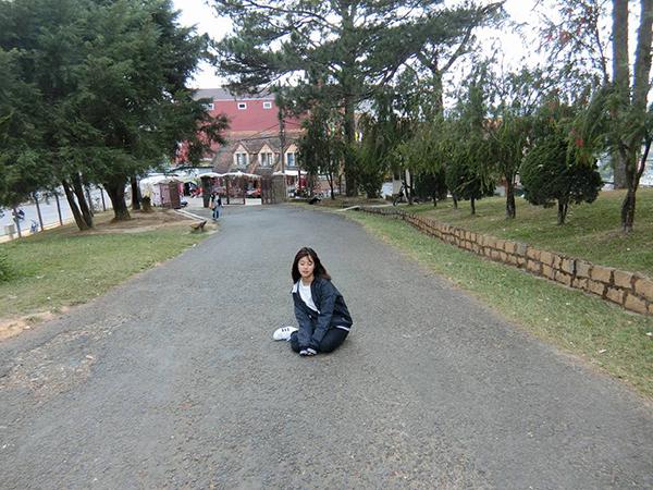 sao-viet-16-6-truong-quynh-anh-moc-sung-midu-mong-manh-ao-dai-trang-10