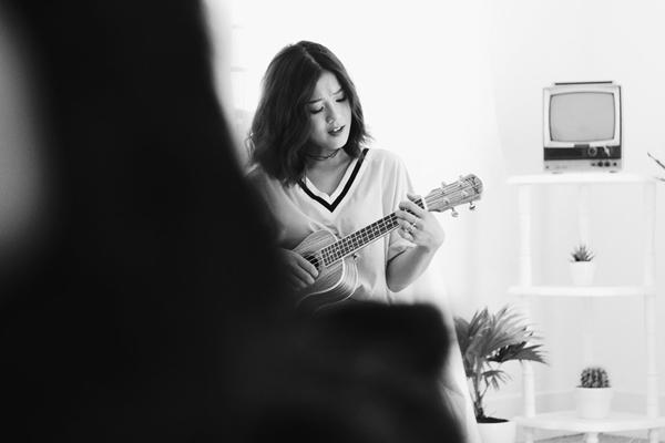 hoang-yen-chibi-cover-hit-hari-won-nhu-ma-am-vi-co-nhieu-chuyen-buon-1