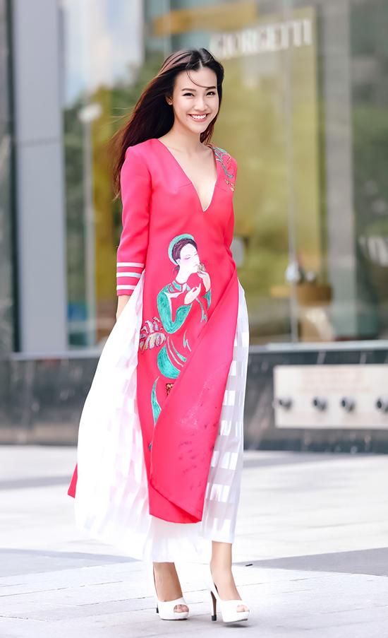 thường xuất hiện cùng nhau tại những sự kiện, mới đây hai người đẹp còn góp mặt trong chương trình Hoa hậu Việt Nam 2016 vòng chung khảo phía Nam.