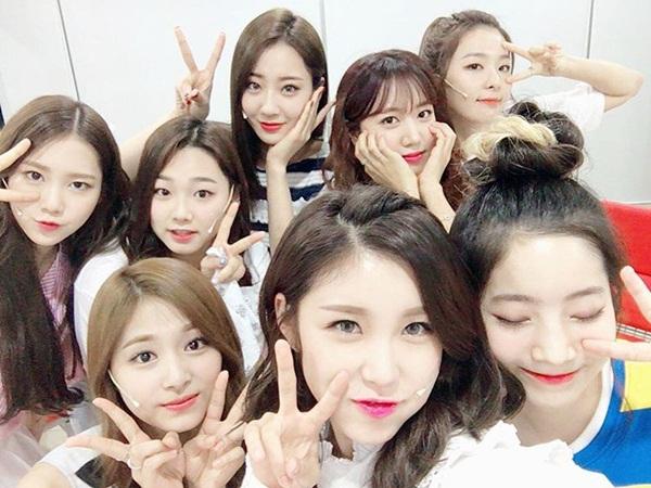 sao-han-16-6-8-idol-nu-do-sac-trong-anh-selfie-hyeri-than-mat-tua-vai-ji-sung-1