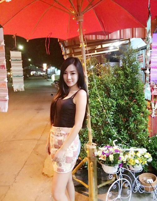 co-chu-quan-an-thai-lan-hut-khach-nho-voc-dang-boc-lua-2