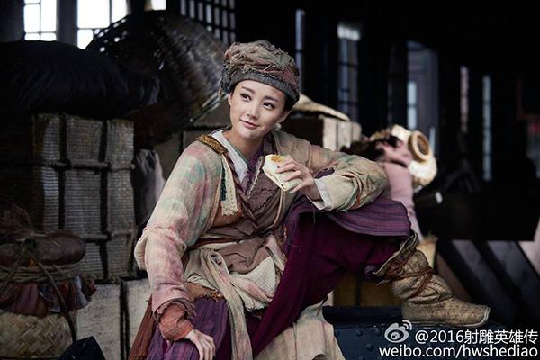 dan-dien-vien-anh-hung-xa-dieu-2016-gay-xon-xao-3