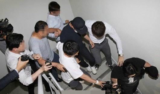 dien-dan-lon-cua-jyj-ty-chay-yoo-chun-sau-scandal-2