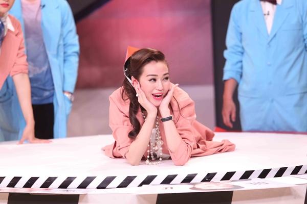 huong-giang-nhong-nheo-ghen-ty-chieu-cao-voi-khanh-my-8