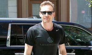 Tom Hiddleston dùng xe của Taylor đến phòng gym