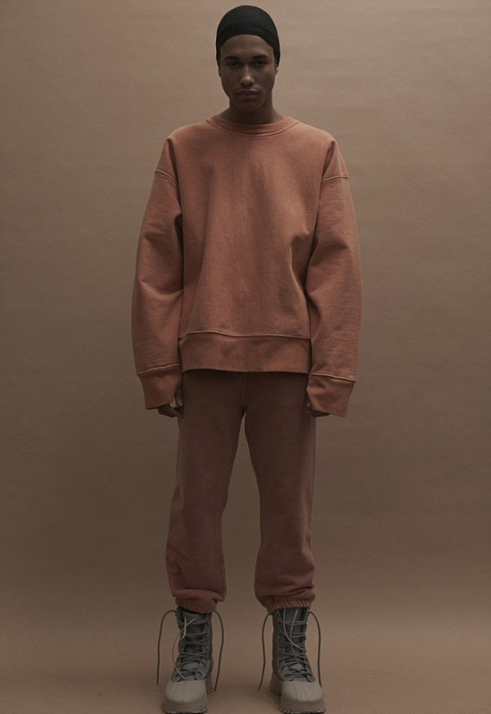 zara-nhai-hang-loat-do-cua-kanye-west