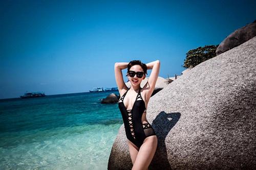 toc-tien-khoe-dang-san-nuot-voi-bikini-3