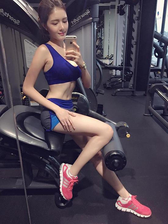 sao-viet-25-6-mac-hong-quan-hot-boy-tu-be-ky-duyen-ram-nang-sexy