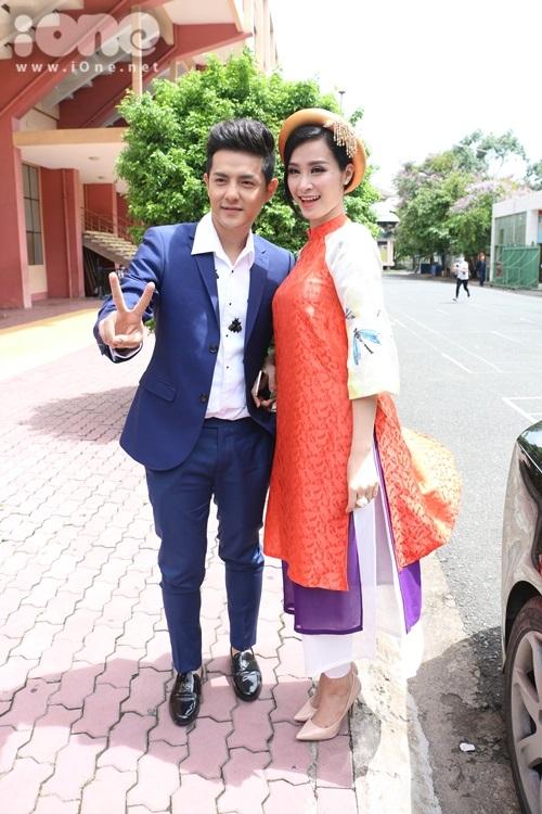 Chiều ngày 27/6, chương trình Giọng hát Việt Nhí mùa thứ 4 chính thức ghi hình số đầu tiên vòng Giấu mặt. Cặp đôi Đông Nhi - Ông Cao Thắng