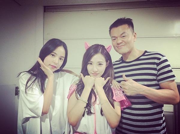 sao-han-27-6-goo-hye-sun-tinh-cam-ben-chong-hyo-min-mac-yem-lo-lung-tran-8