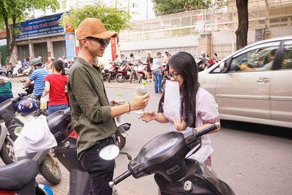 Soobin và FC sẽ kéo dài trong suốt 3 ngày ở một số điểm trường tại TP.HCM, Hà Nội và Đà Nẵng. Số lượng chai nước là 5000 chai trong 3 ngày.